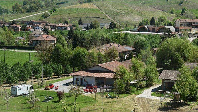 Agri Camping a La Morra - La Rosa nel borgo